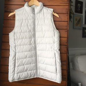 White Light-weight Puffer Zipper Vest Size Small